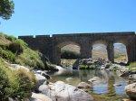 En el verano puedes disfrutar de multitud de zonas de baño, en el río Tormes y en muchas de las gargantas y pozas cercanas.